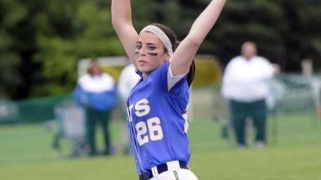 East Meadow's Kerri Shapiro pitches against Cicero-North during