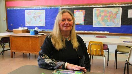 Lauretta Murdock created a school after learning both