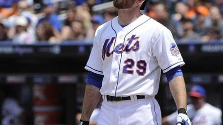 Ike Davis reacts at bat during the second