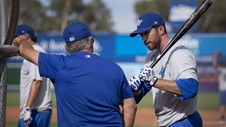 Ike Davis talks with Las Vegas 51s manager