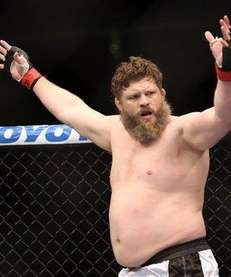 Roy Nelson celebrates his win over Cheick Kongo