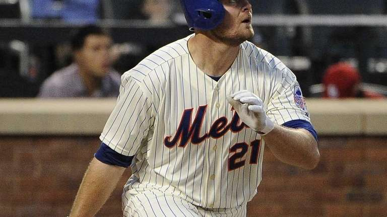 Lucas Duda of the Mets watches his home