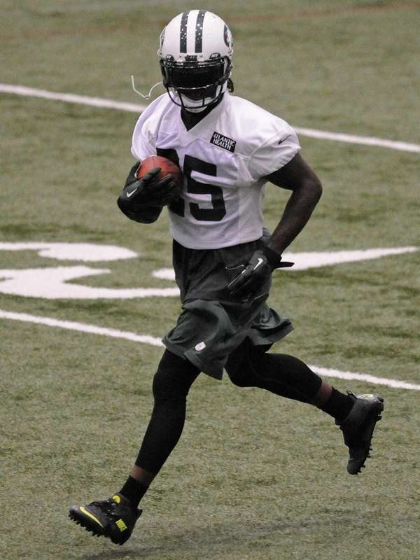 Jets running back Joe McKnight heads upfield during