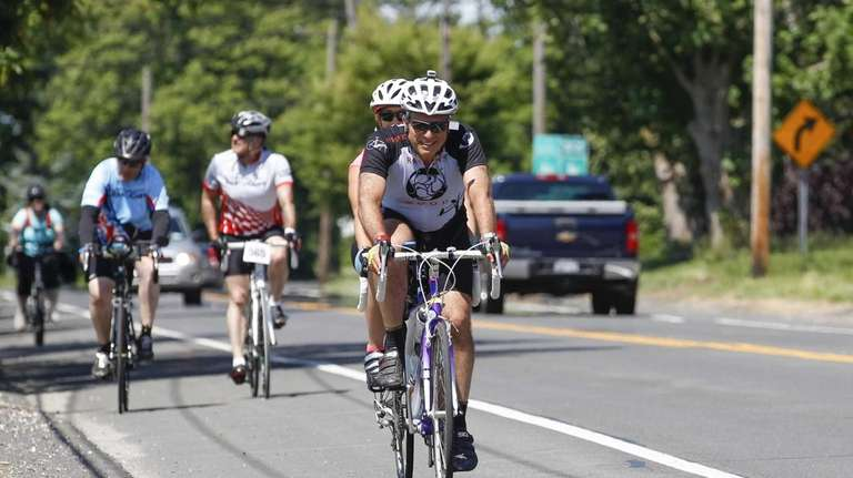 Bicyclists return to Pindar Vineyards in Peconic from