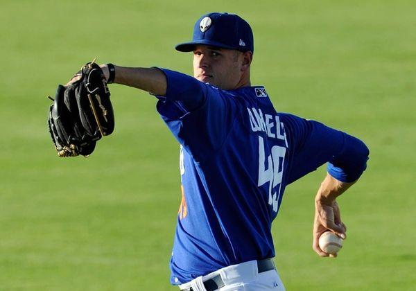 Las Vegas 51's pitcher Zack Wheeler warms up