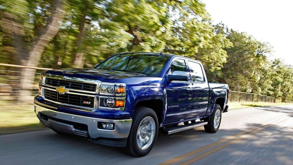 2014 Chevrolet Silverado is giant vehicle with compact handle ...