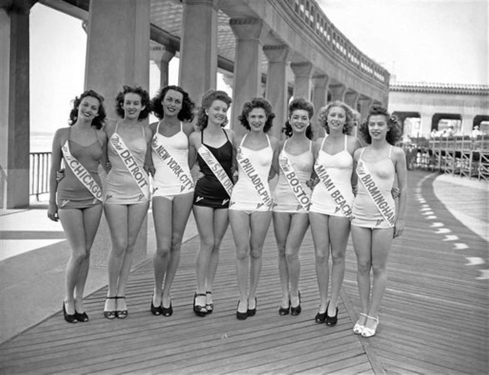 Miss America contestants on the boardwalk in Atlantic