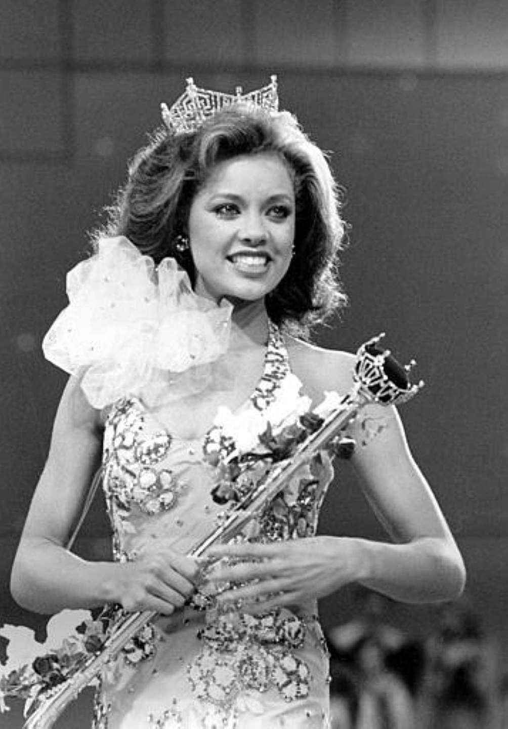 Vanessa Williams during her coronation walk after being