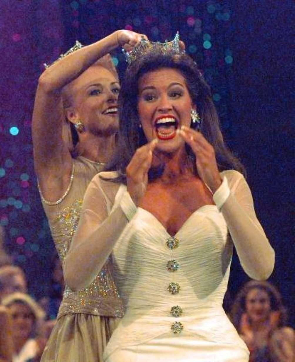 Miss America 1997, Tara Dawn Holland, of Kansas,