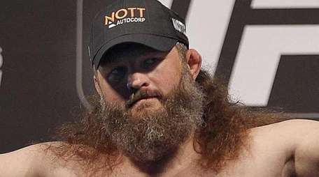 Heavyweight Roy Nelson makes weight during the UFC
