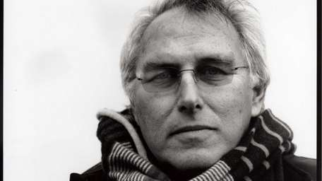 Artist Eric Fischl discusses and signs his new