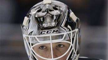 Los Angeles Kings goalie Jonathan Bernier in the