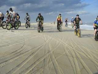 Members of LIFE (Long Island Fatbike Enthusiasts), ride