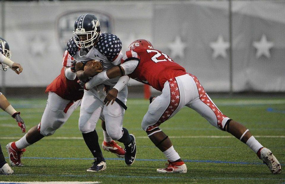 Long Island team tailback Tyler Fredericks runs the