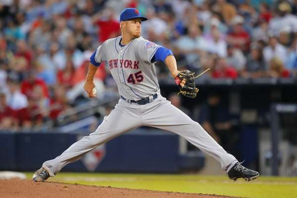 Mets starting pitcher Zack Wheeler pitches in the