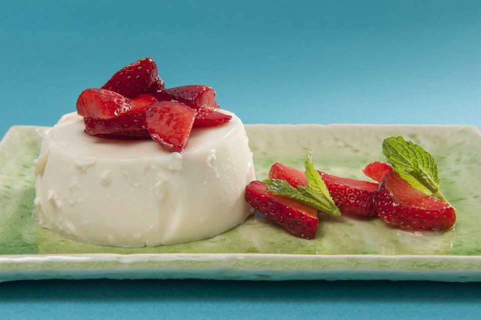Ginger panna cotta with strawberries and mint. (June
