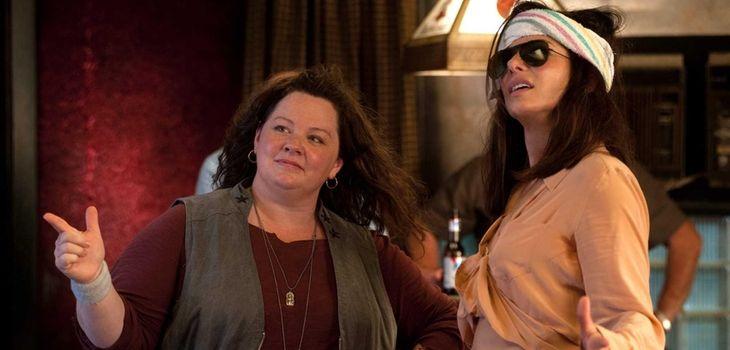 Melissa McCarthy and Sandra Bullock in