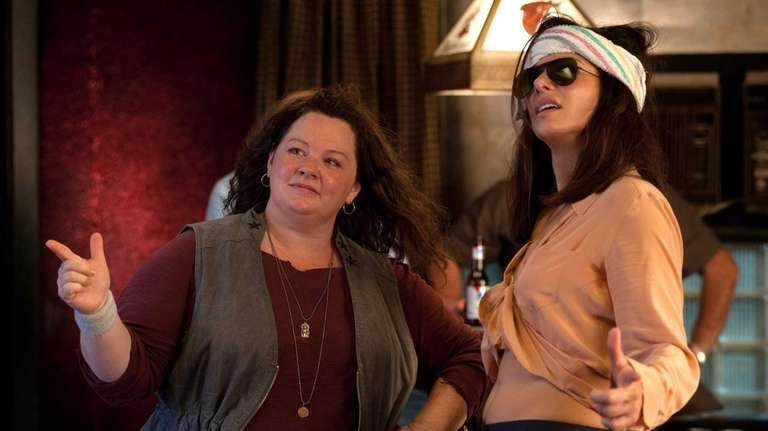 Melissa McCarthy and Sandra Bullock in