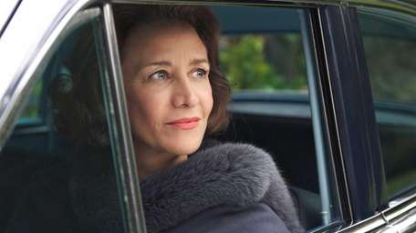 Janet McTeer as Mary McCarthy in Margarethe von