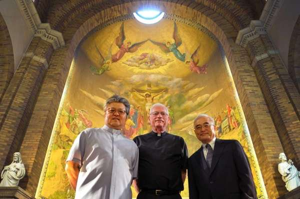 (L-R) Father Paul Kim, Monsignor Brendan Riordan and