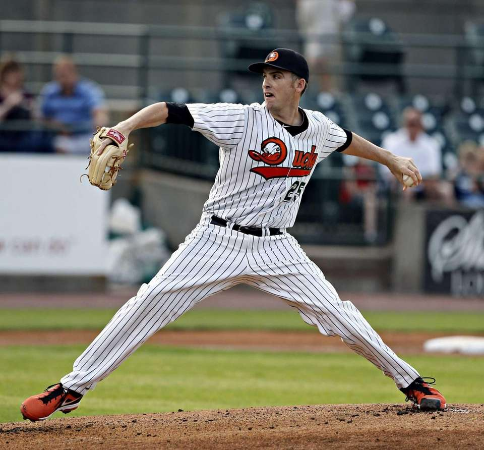 Long Island Ducks starting pitcher James Houser delivers