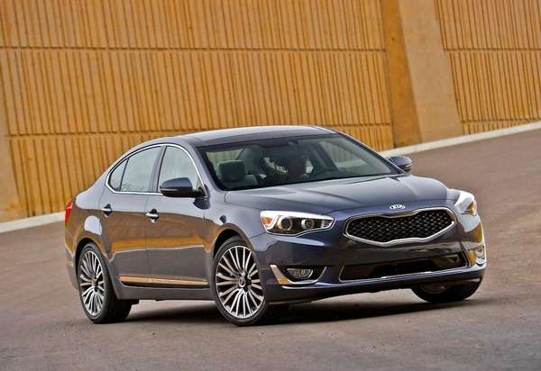 The 2014 Cadenza arrives as Kia's top-of-the line