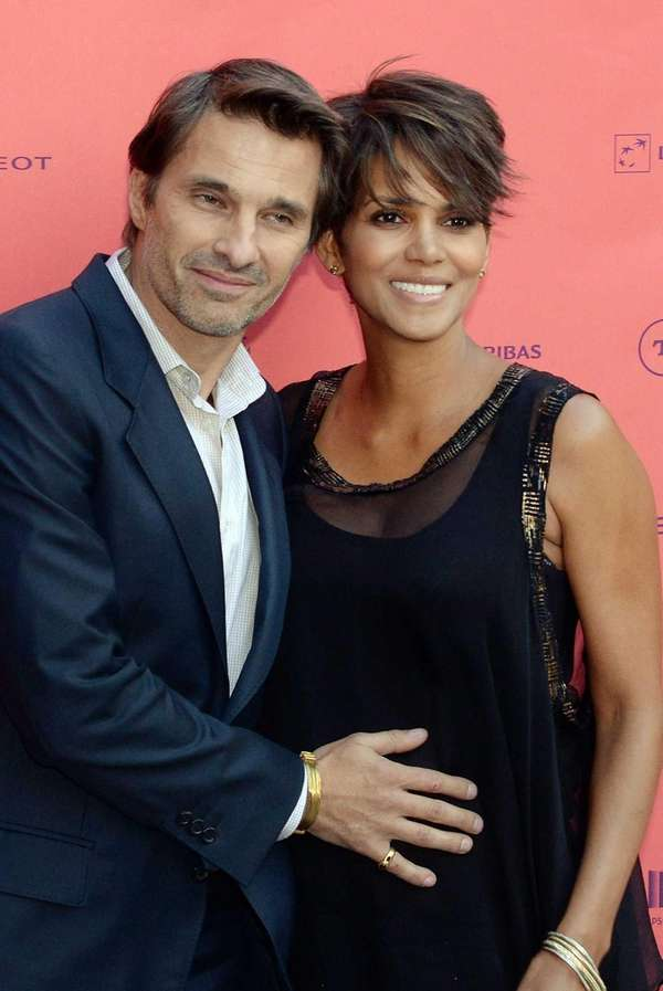 Halle Berry poses with her fiance, French actor