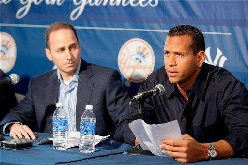Yankees' Alex Rodriguez reads a statement to the