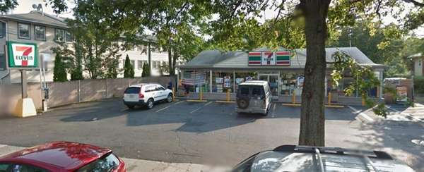 An image of the 7-Eleven at 169 Atlantic