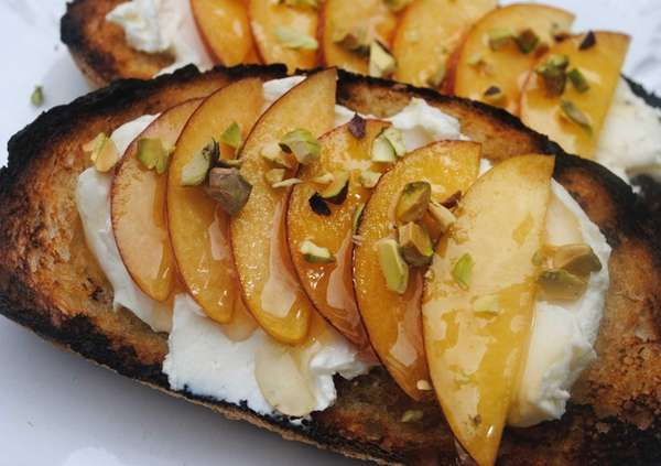 For a tasty (and easy) dessert bruschetta, top