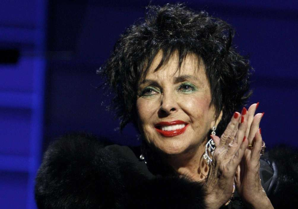 Elizabeth Taylor was born in Hampstead, England, to