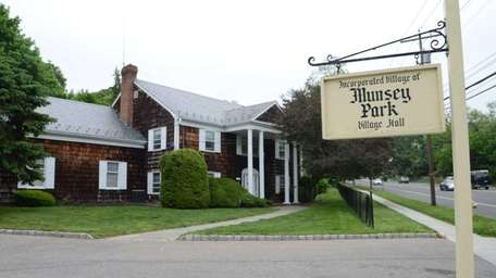 Munsey Park Village Hall is located at 1777