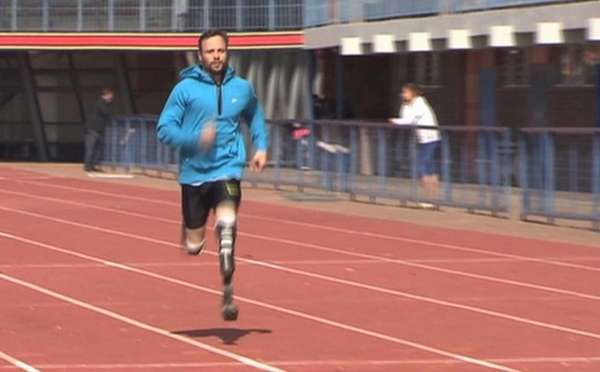 Oscar Pistorius runs at the University of Pretoria,