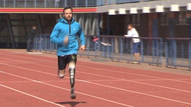 Oscar Pistorius runs at the University of Pretoria,
