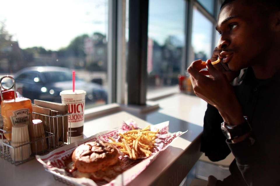 Smashburger features attractive, industrial-contemporary digs where you order