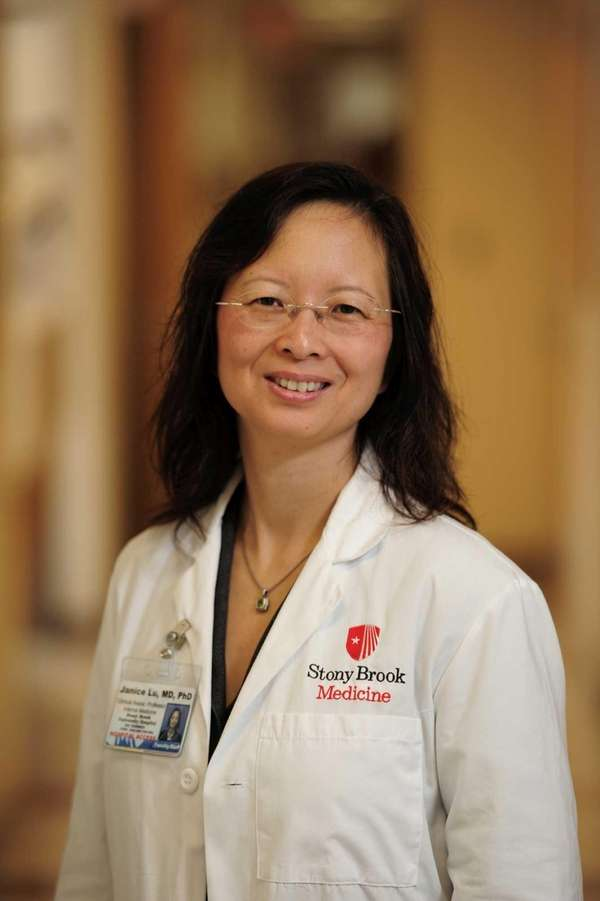 Physician Researcher Janice Lu, MD.