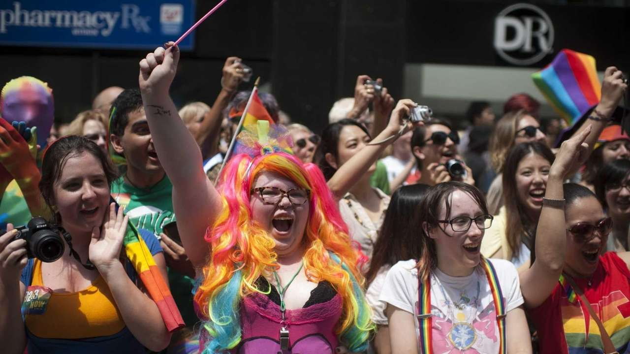 Spectators turn out for the 2013 NYC Pride