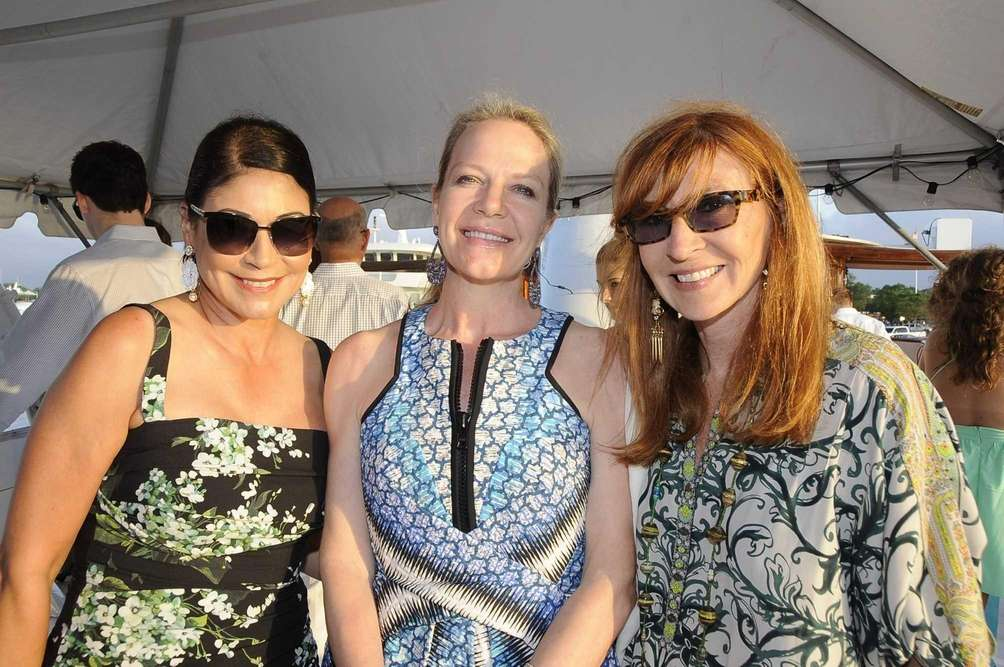 Carolyn Hirsch, Pamela Johananoff and Nichole Miller enjoy