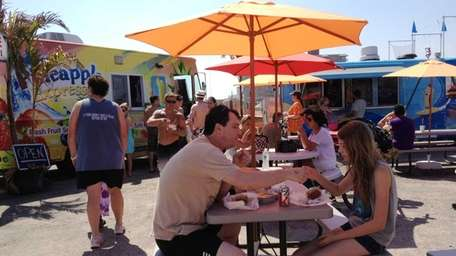 Shoregesboard is a collection of food trucks stationed