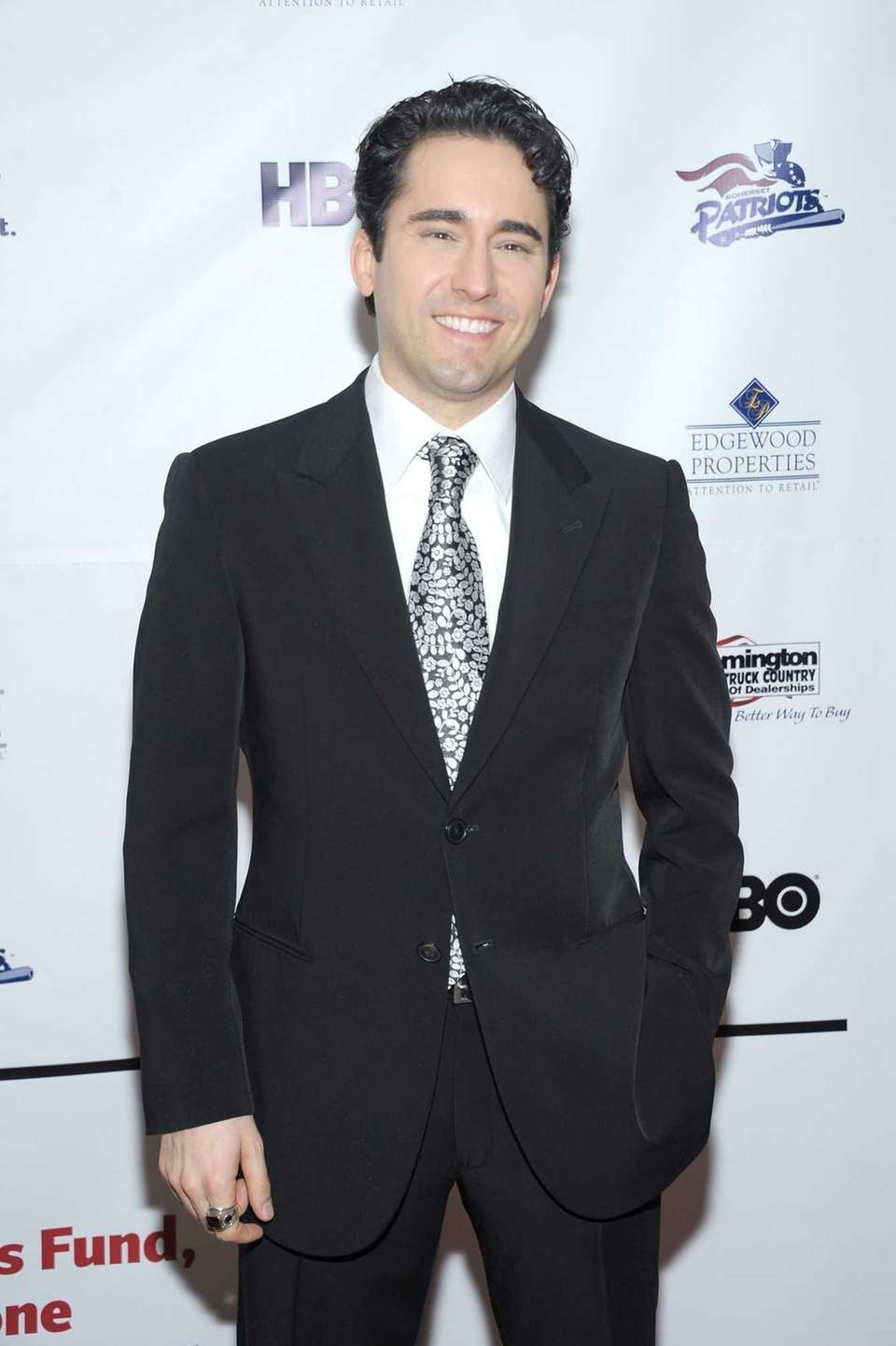 John Lloyd Young plays Frankie Valli in