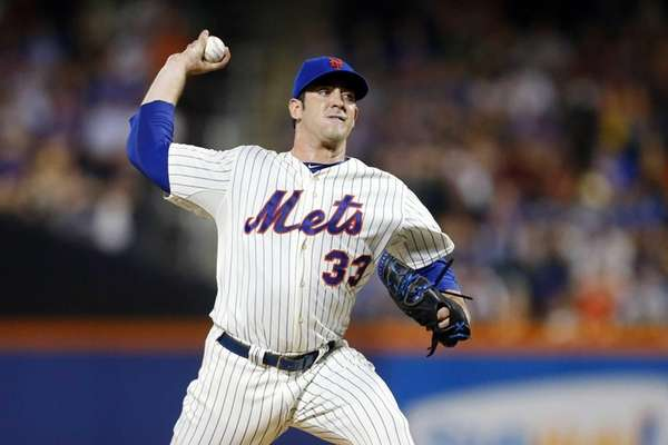 Matt Harvey pitches against the Arizona Diamondbacks at