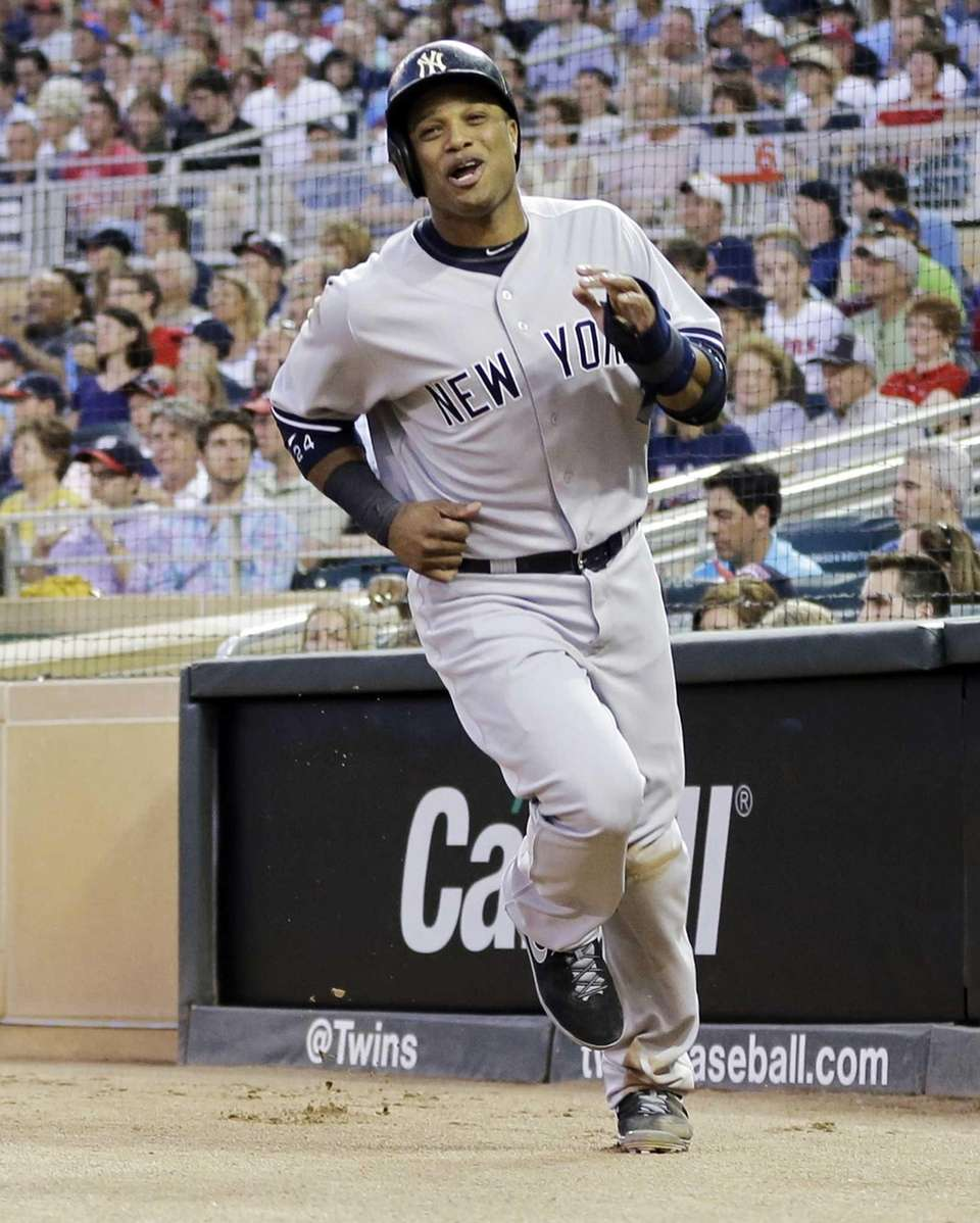 Yankees' Robinson Cano races to the dugout after