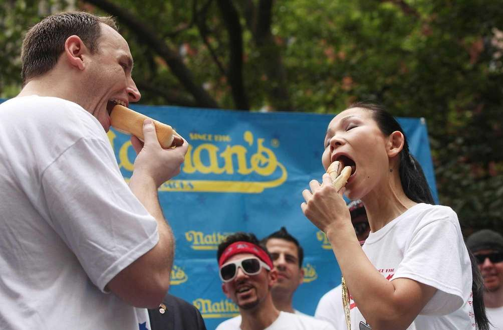 Men's world record holder Joey Chestnut and women's