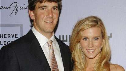 Giants quarterback Eli Manning and wife Abigal McGrew