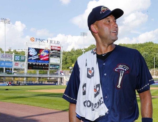 Yankees shortstop Derek Jeter talks to the media