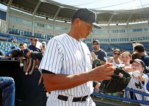 Alex Rodriguez takes the field with the Tampa