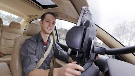 Ben Gleitzman uses a traffic and navigation app