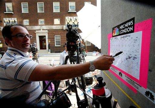 Journalists bet what time the royal baby will