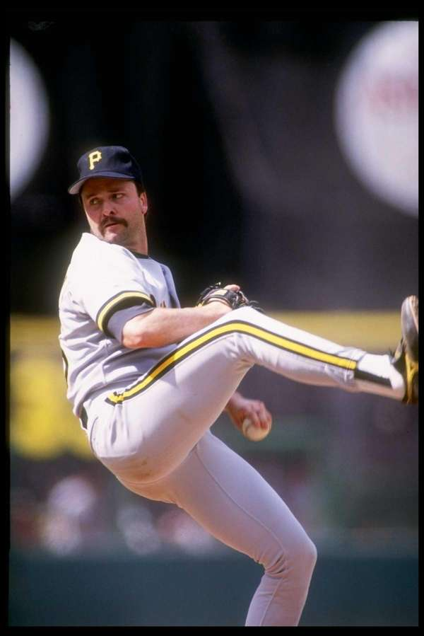 Pitcher Neal Heaton of the Pittsburgh Pirates throws