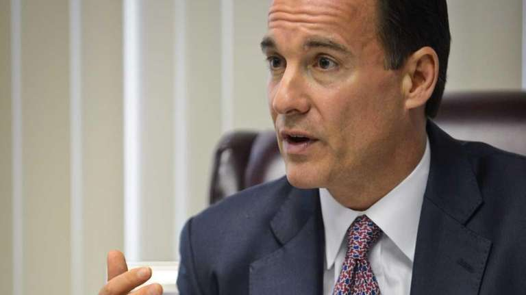Newsday endorses former Nassau County Executive Tom Suozzi